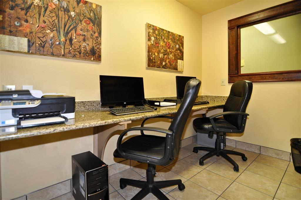 Best Western Plus Bessemer Hotel & Suites - Notre centre d'affaires est à votre disposition pour vous aider à préparer et imprimer vos itinéraires de voyage, envoyer des e-mails ou surfer sur le Web.