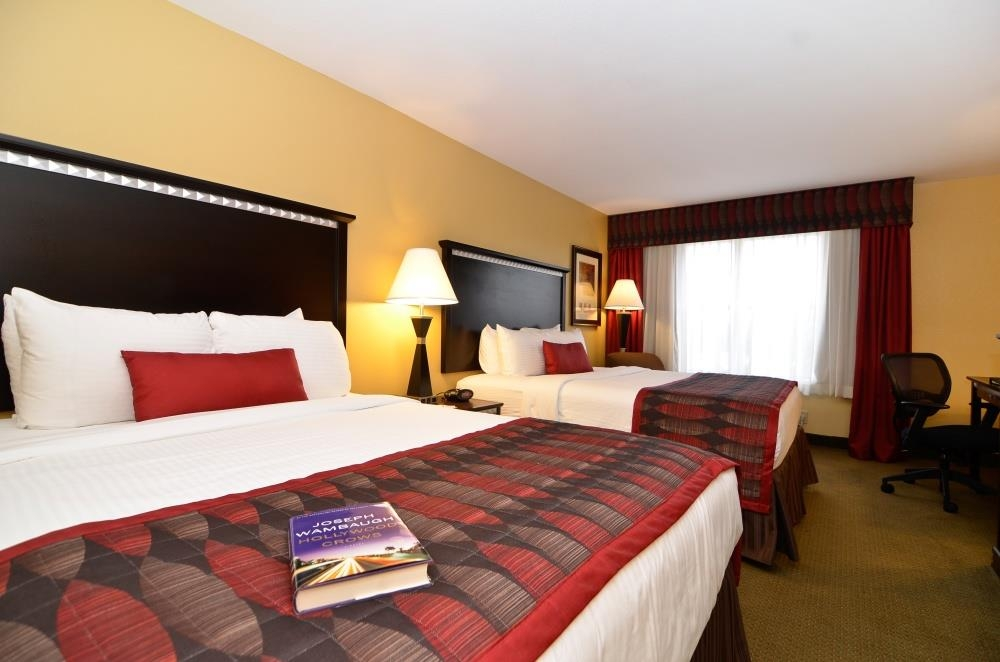 Best Western Plus Bessemer Hotel & Suites - 2 Queen Guest Room - There is plenty of room for up to four guests in our queen guest room.