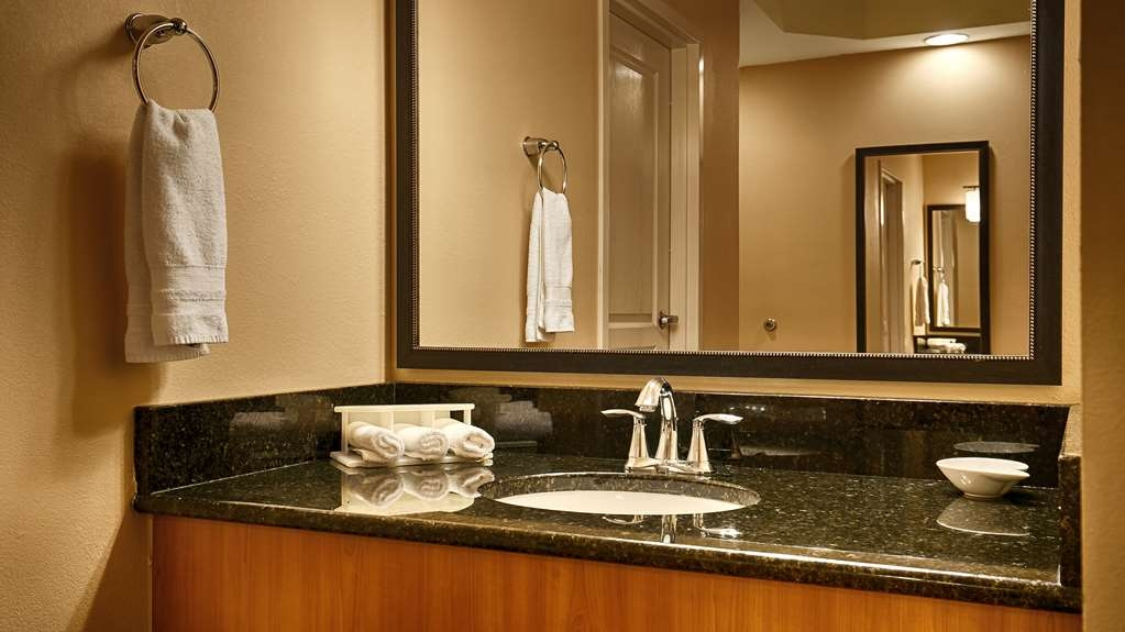 Best Western Plus Kingsland - Baño