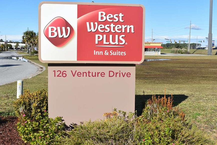 Best Western Plus Brunswick Inn & Suites - Vue extérieure