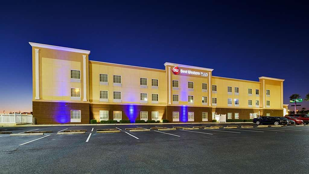 Best Western Plus Brunswick Inn & Suites - We pride ourselves on being one of the finest hotels in Brunswick.