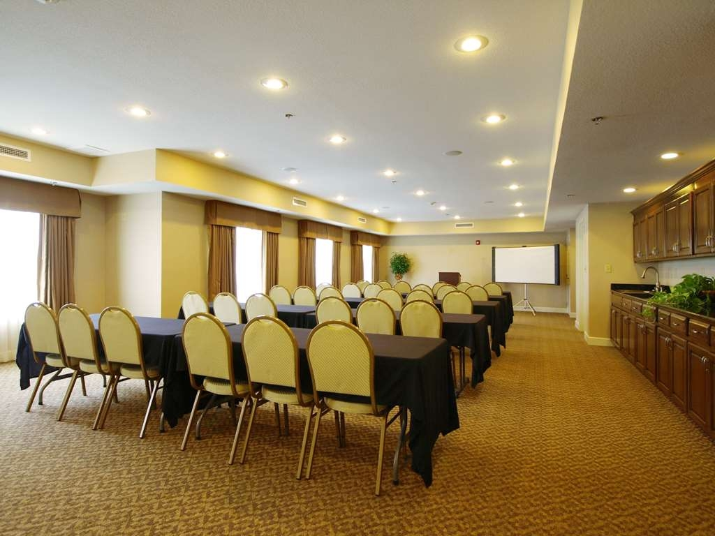 Best Western Plus Valdosta Hotel & Suites - Meeting Room