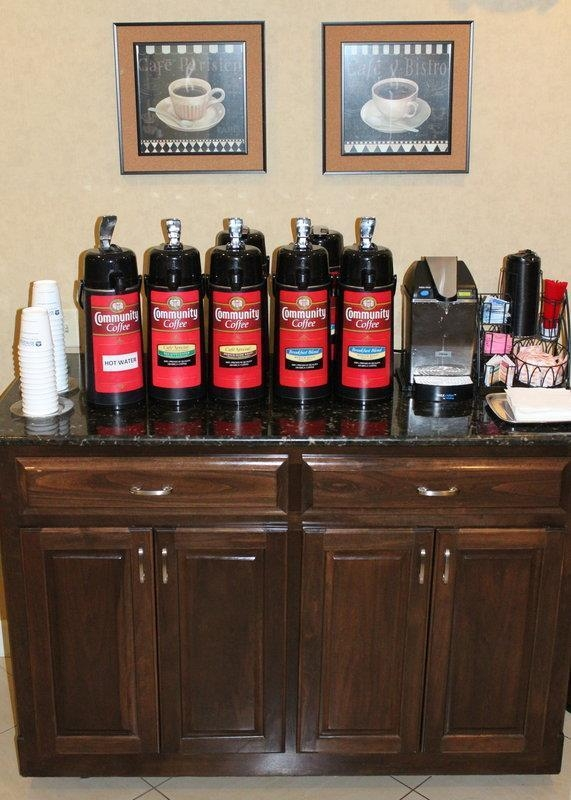 Best Western Plus Valdosta Hotel & Suites - Fresh coffee 24-hours per day!