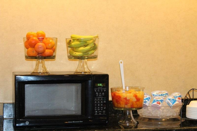 Best Western Plus Valdosta Hotel & Suites - Fresh fruit available