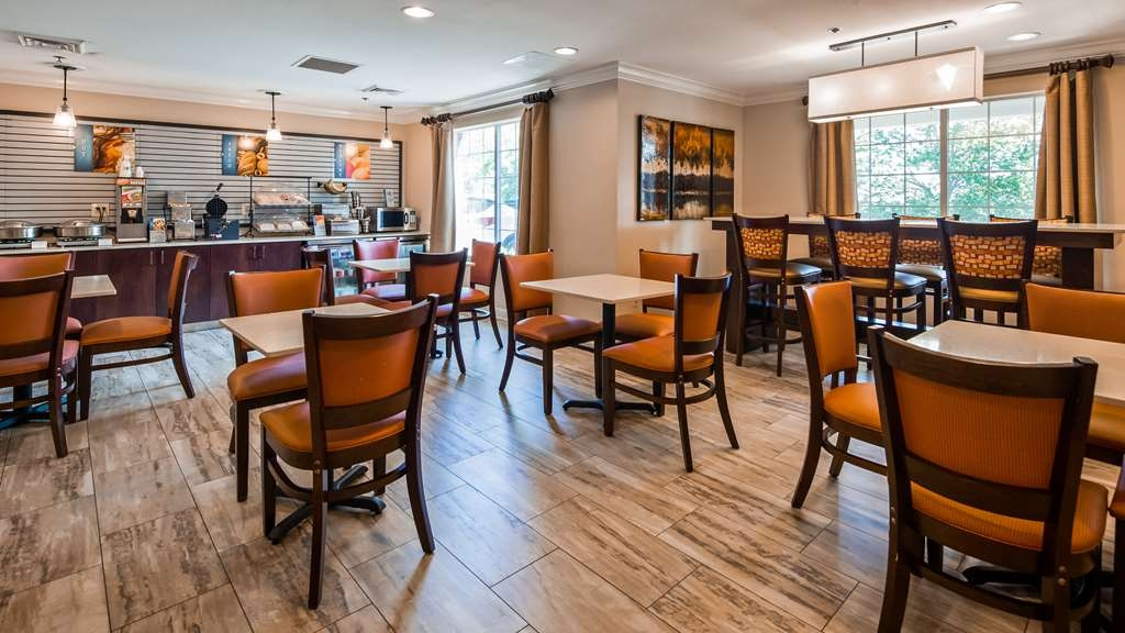 Best Western Plus Lake Lanier Gainesville Hotel & Suites - Restaurante/Comedor