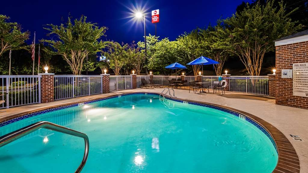 Best Western Plus Lake Lanier Gainesville Hotel & Suites - Vista de la piscina