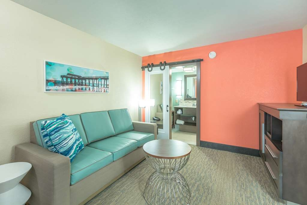 Best Western Plus St. Simons - If you're traveling with your family or group of friends, opt for our 2 queen suite.