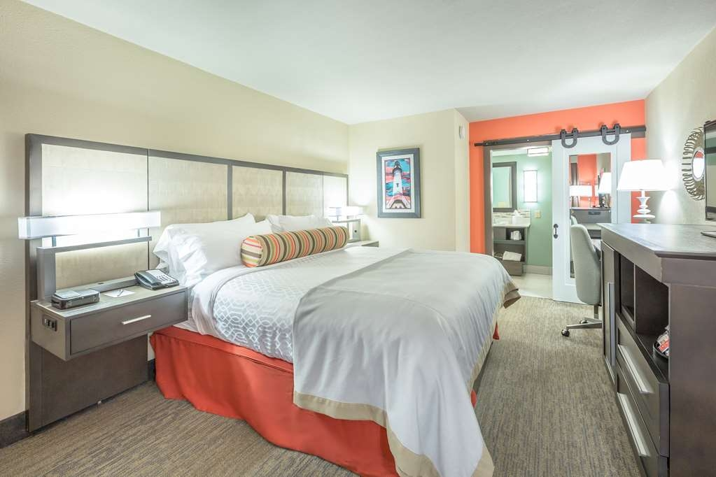 Best Western Plus St. Simons - Sink into our comfortable beds each night and wake up feeling completely refreshed.