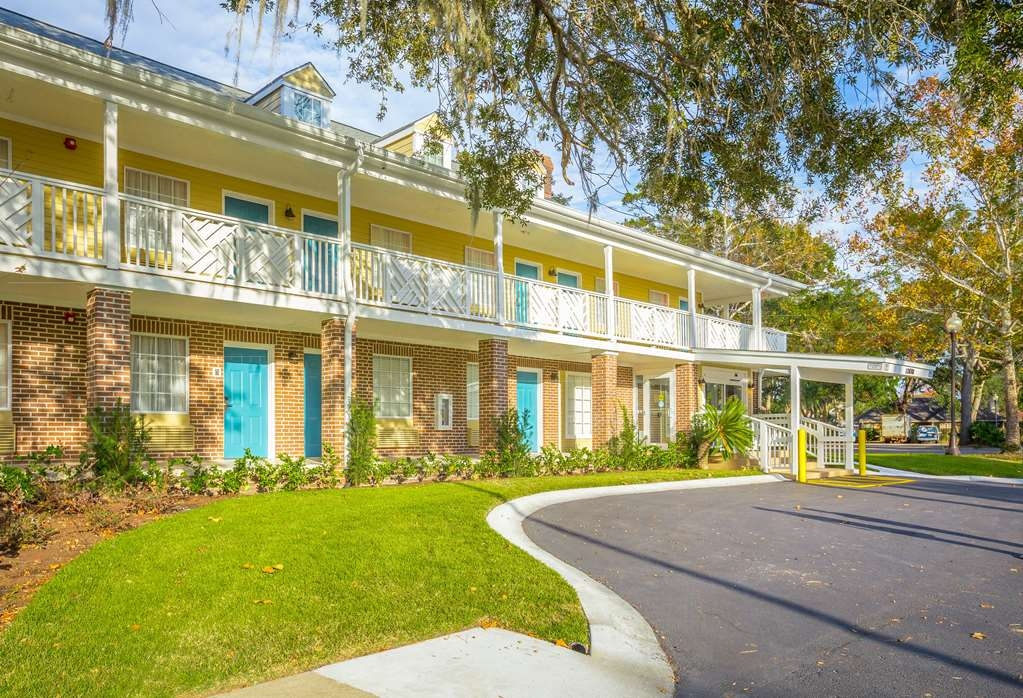 Best Western Plus St. Simons - No matter what time of year, we know you will love the Best Western Plus St. Simons.