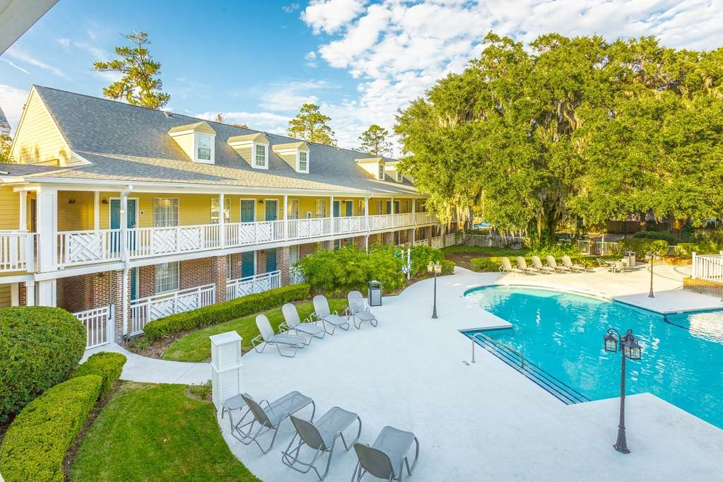 Best Western Plus St. Simons - Opt to enjoy one of our pool side rooms while at the Best Western Plus St. Simons.