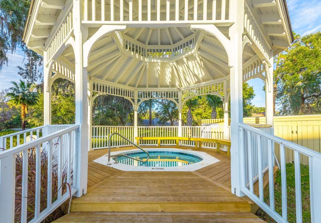 Best Western Plus St. Simons - There's nothing like a relaxing dip in our hot tub after a long day.