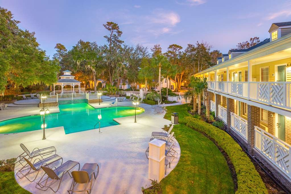 Best Western Plus St. Simons - Jump into our outdoor pool for a swim anytime of the day.