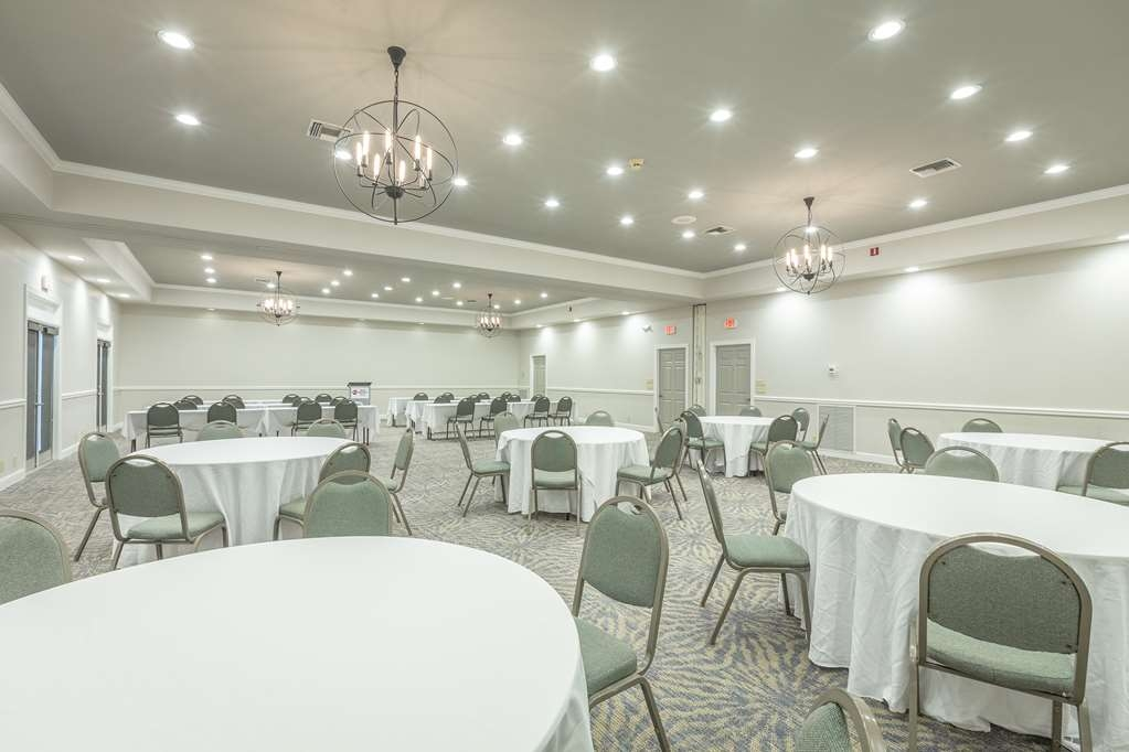 Best Western Plus St. Simons - Whether you need a theatre, classroom, banquet or reception setting we can accommodate your next event.