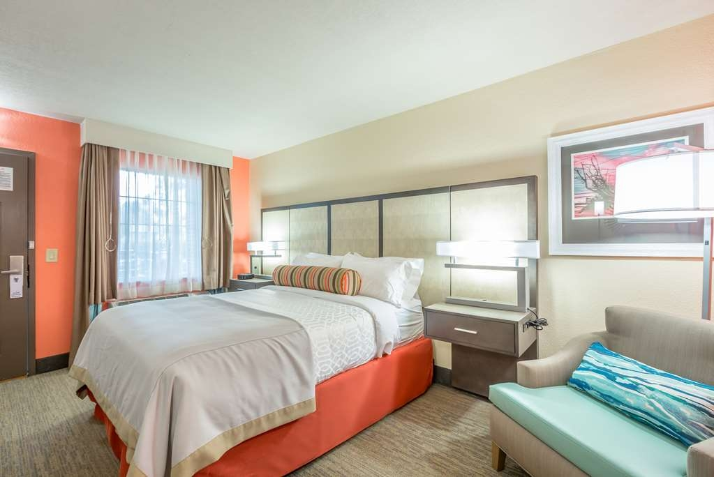 Best Western Plus St. Simons - We also feature mobility accessible queen rooms.