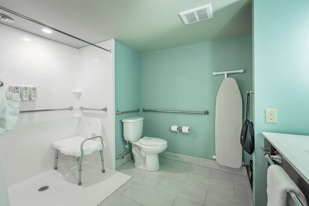 Best Western Plus St. Simons - We've designed our mobility accessible guest bathrooms for your comfort.