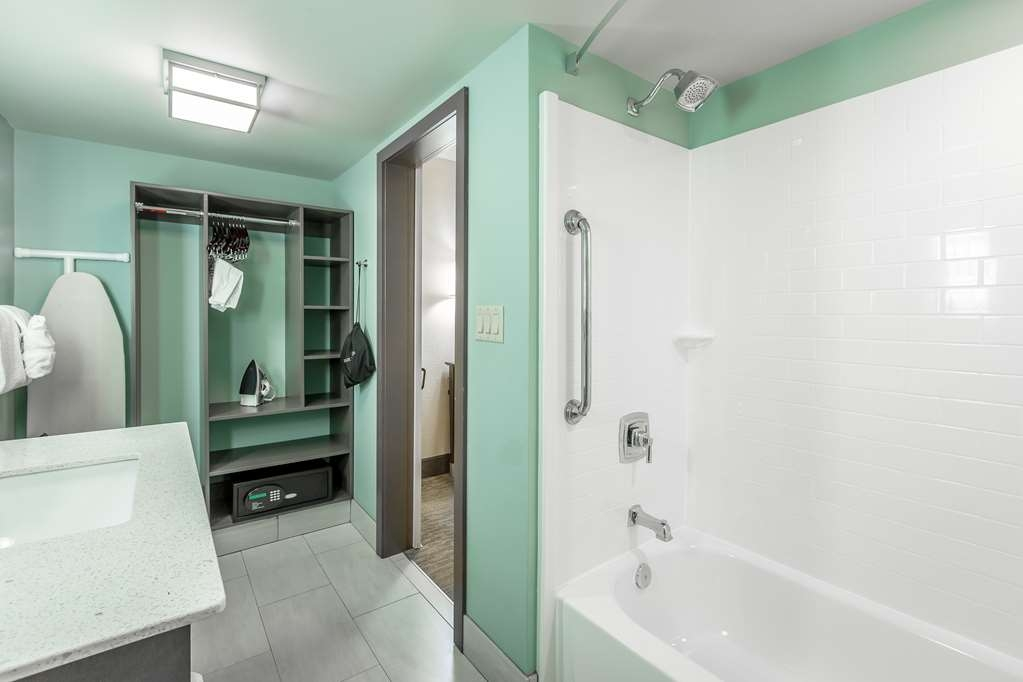 Best Western Plus St. Simons - Upgraded shower heads are just some of our new enhancements in our guest bathrooms.