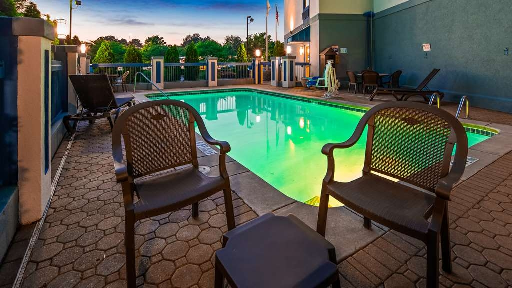 Best Western Gwinnett Center Hotel - Vista de la piscina