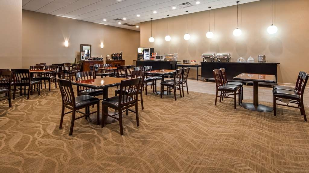 Best Western Plus Madison-Huntsville Hotel - Breakfast Area