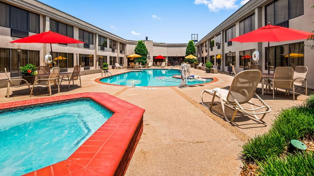 Best Western Plus Madison-Huntsville Hotel - Outdoor Pool