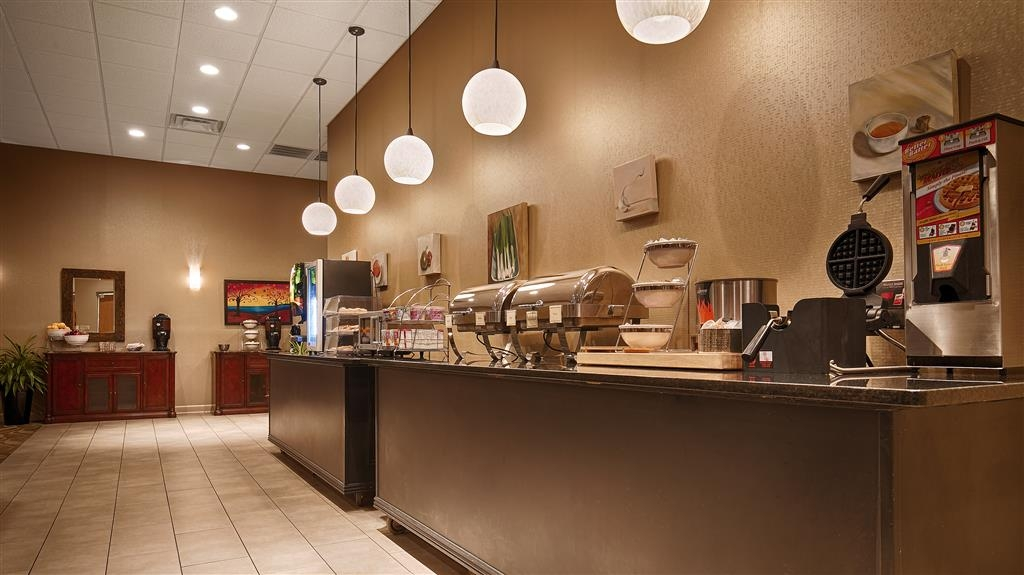 Best Western Plus Madison-Huntsville Hotel - Rise and shine with a complimentary breakfast every morning.