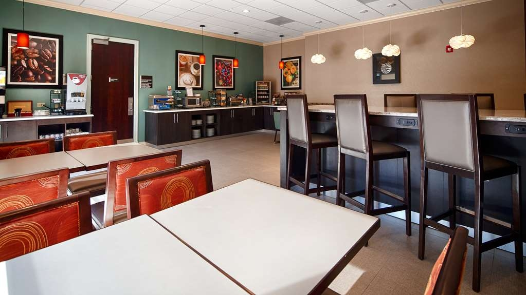 Best Western Plus Roswell/Alpharetta - Rise and shine with a complimentary breakfast every morning.