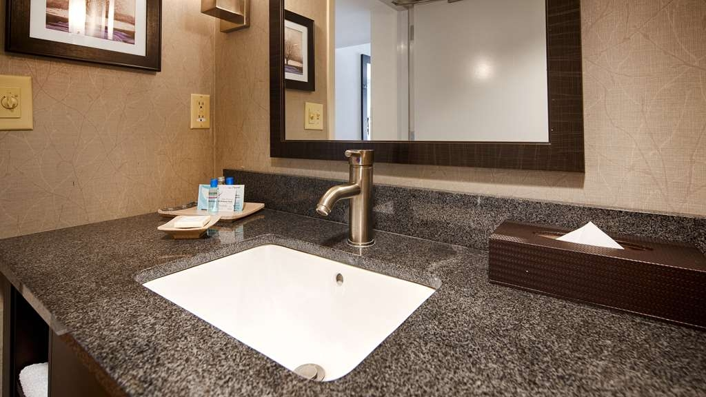 Best Western Plus Roswell/Alpharetta - Enjoy getting ready for the day in our fully equipped guest bathrooms.