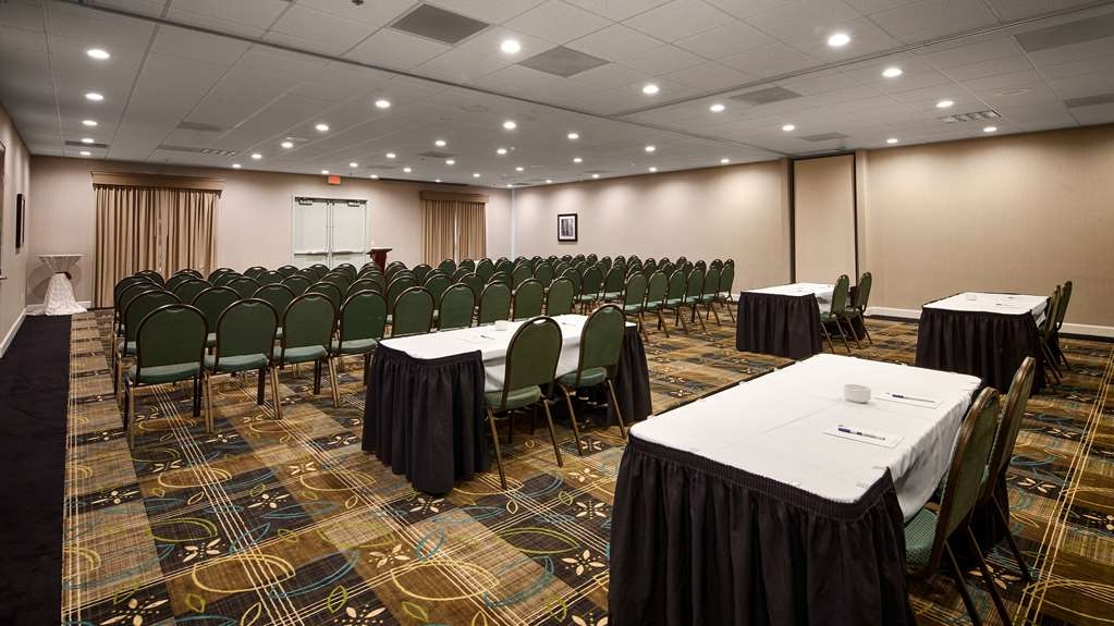 Best Western Plus Roswell/Alpharetta - Allow our professional staff to take care of you and your party in our 2,000 sq.ft Roswell Ballroom.
