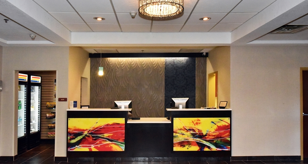 Best Western Plus Fairburn-Atlanta Southwest - Our front desk staff is always available to welcome you and make your stay comfortable.