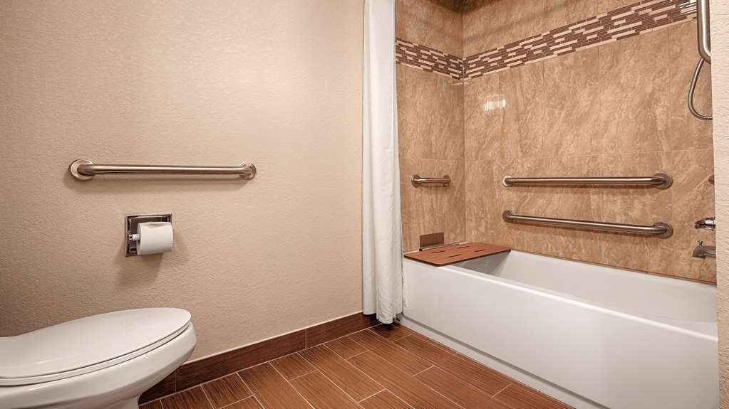 Best Western Plus Fairburn-Atlanta Southwest - Our Handicap rooms are equipped with accessible tubs.