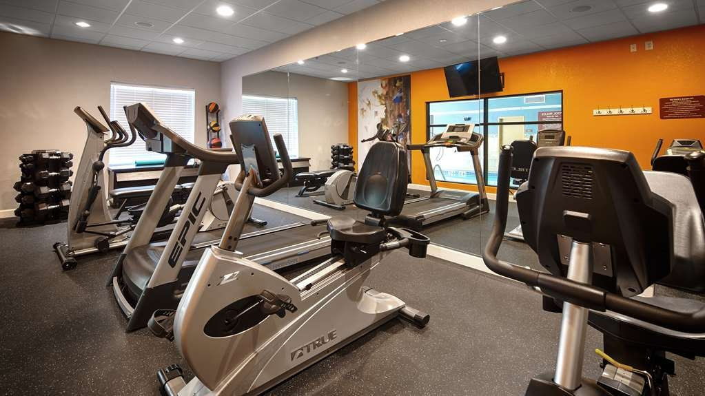 Best Western Plus Fairburn-Atlanta Southwest - Maintain your fitness routine during your stay with us in our fitness center.