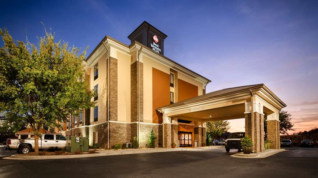 Best Western Plus Fairburn-Atlanta Southwest - There's no better way to experience Fairburn than from Best Western Plus-Fairburn Atlanta SW.