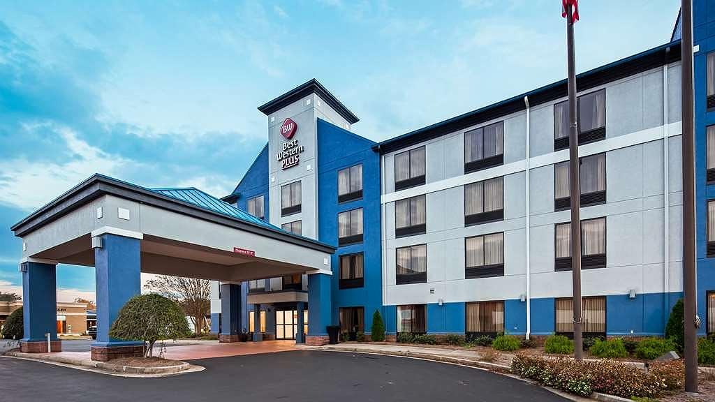 Best Western Plus Carrollton Hotel - Area esterna