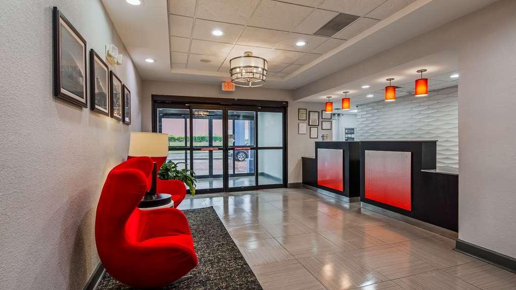 Best Western Plus Carrollton Hotel - Vue du lobby