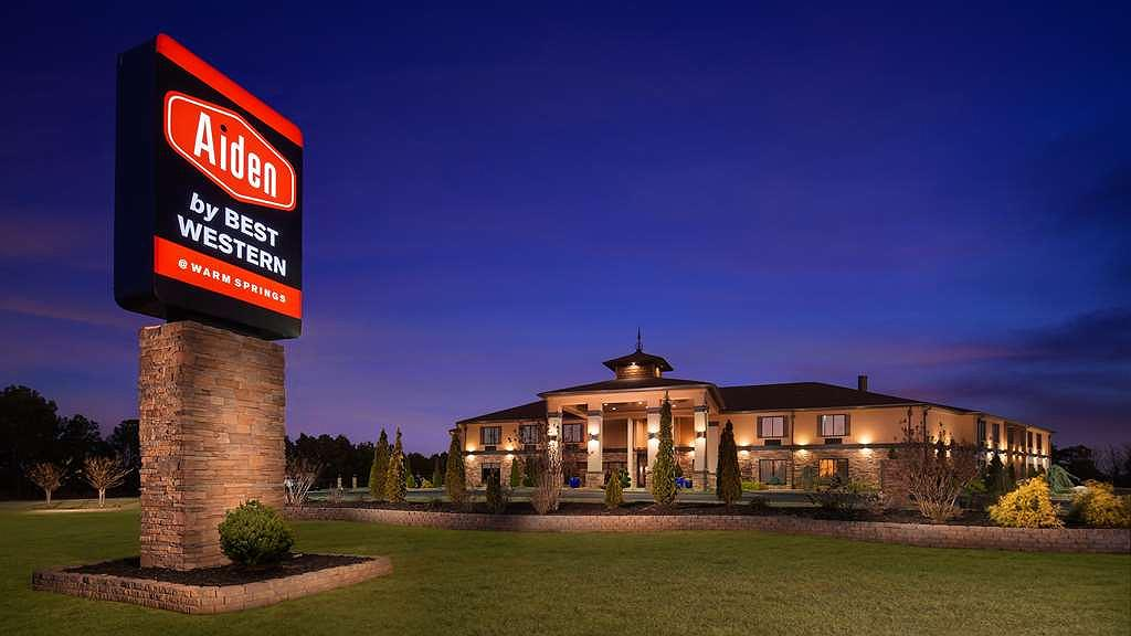 Aiden by Best Western @ Warm Springs Hotel and Event Center - Twilight Exterior