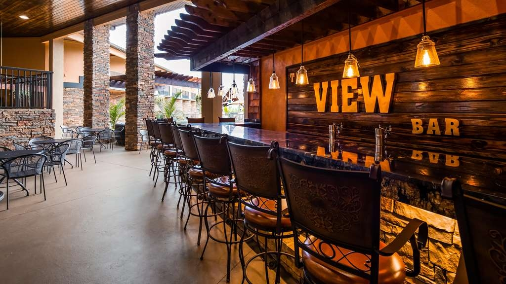 Best Western Warm Springs Hotel and Event Center - Bar / Lounge