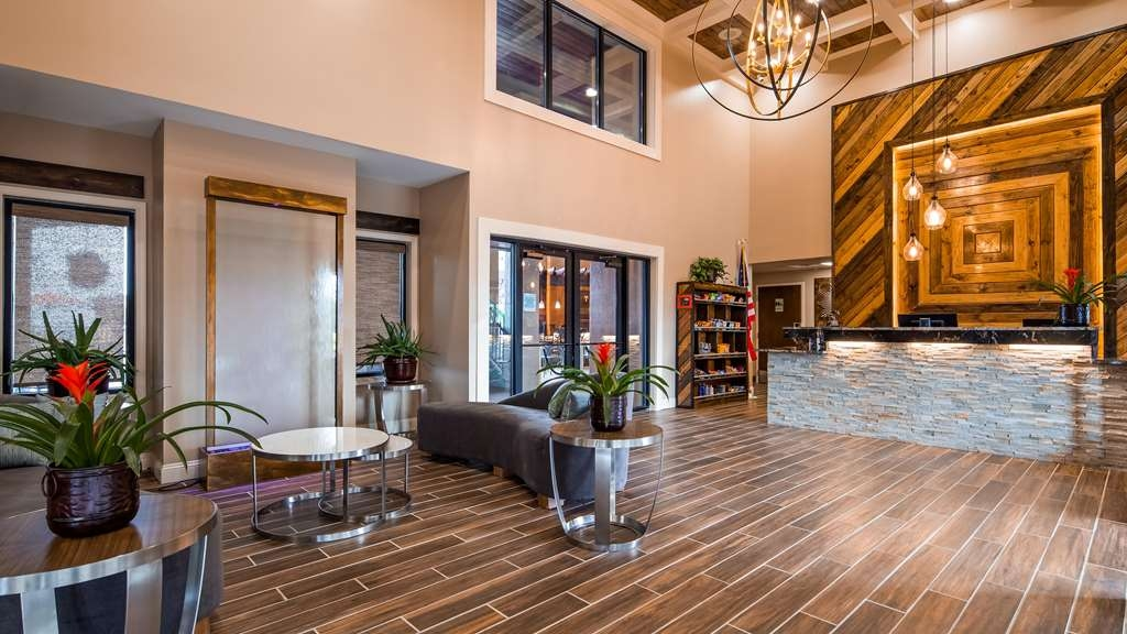 Best Western Warm Springs Hotel and Event Center - Vue du lobby