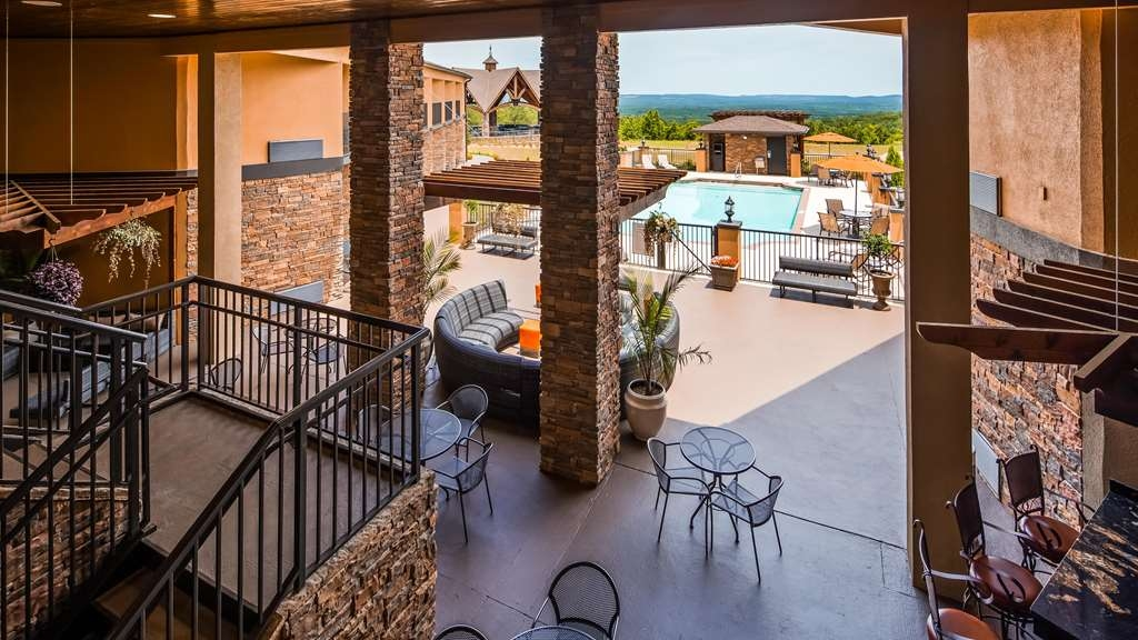 Best Western Warm Springs Hotel and Event Center - Vue de la piscine