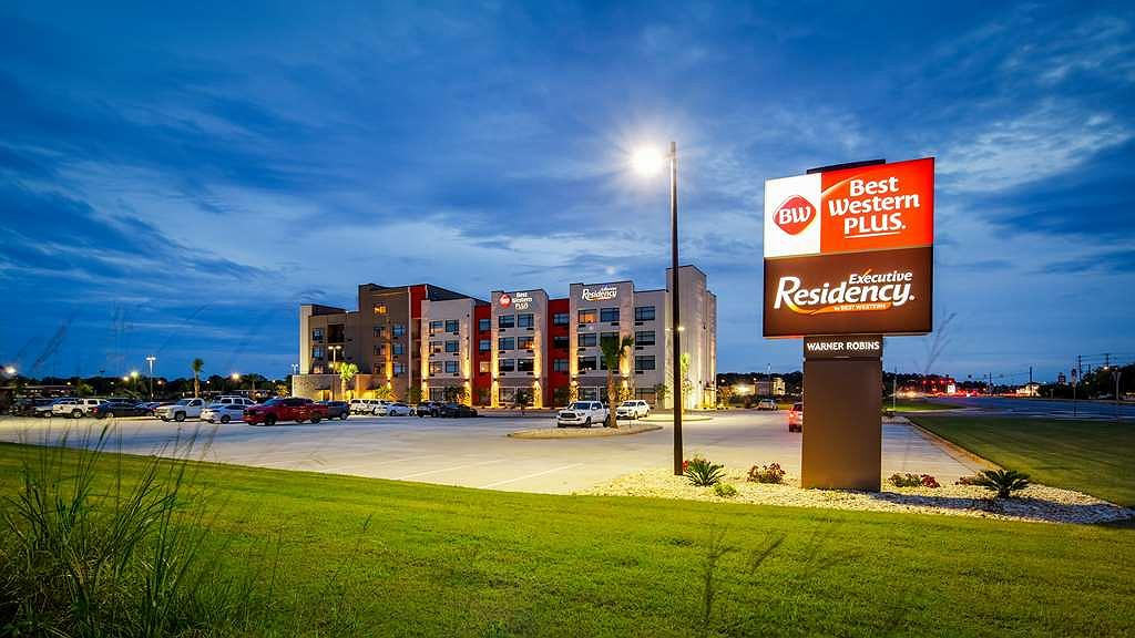 Best Western Plus Executive Residency Rigby's Water World Hotel - Area esterna