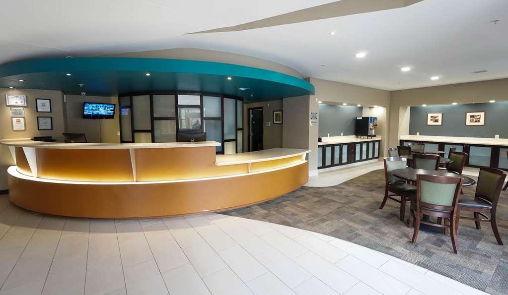 Ecco Suites, BW Signature Collection - Reception Desk