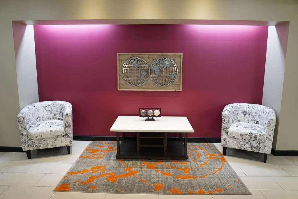 Ecco Suites, BW Signature Collection - Lobby Sitting Area