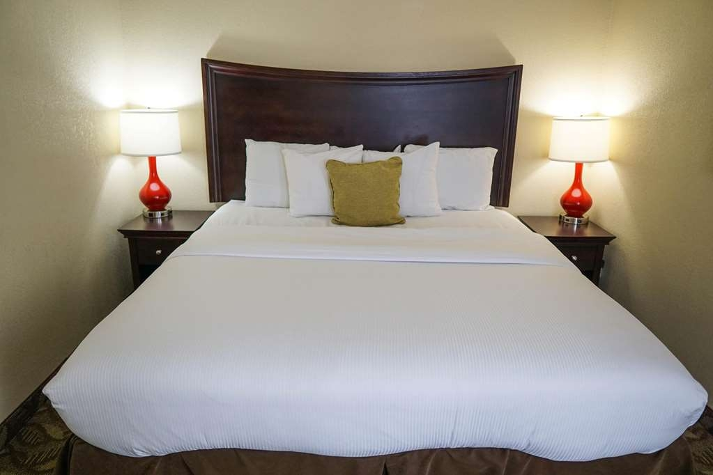 Ecco Suites, BW Signature Collection - Two Room Guest Room