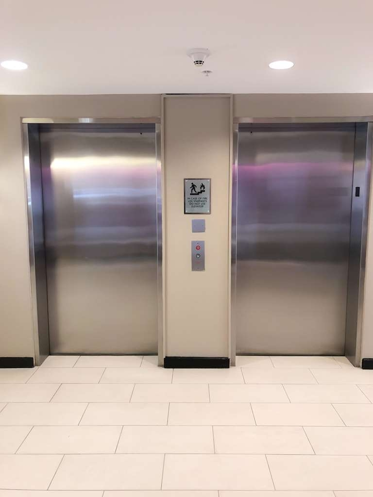 Ecco Suites, BW Signature Collection - elevator