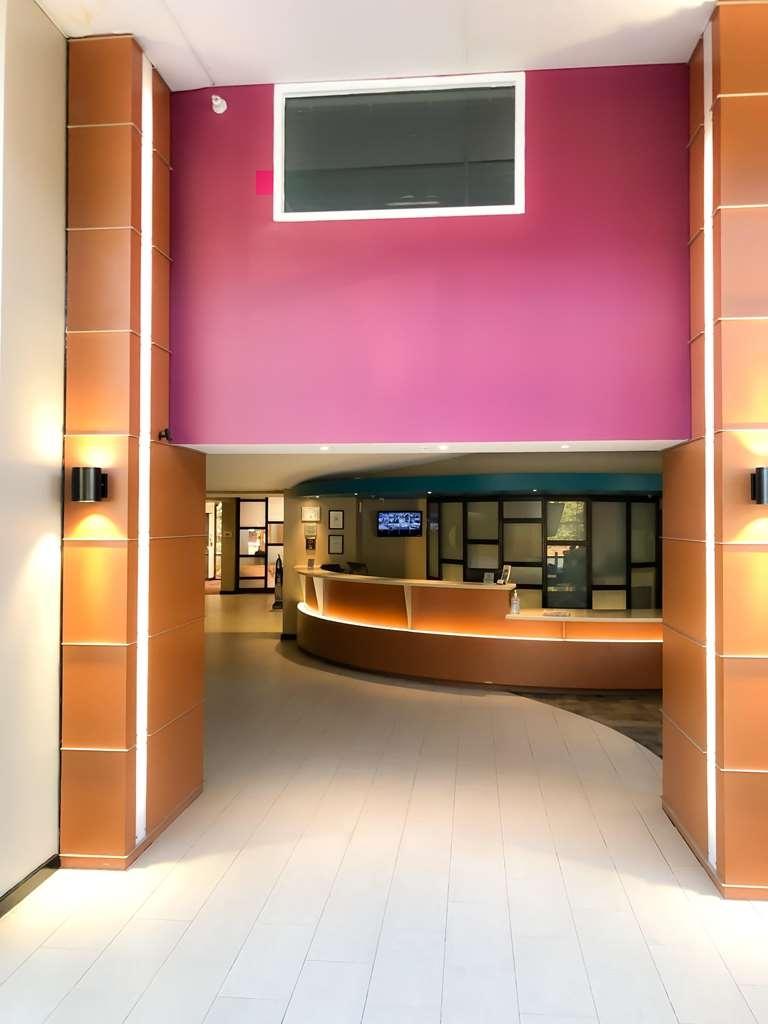 Ecco Suites, BW Signature Collection - front entrance