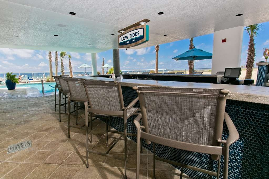 Best Western Premier The Tides - Bar / Lounge