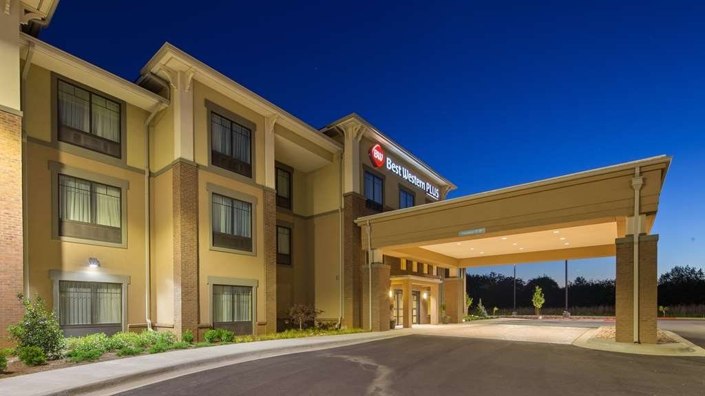 Best Western Plus Tuscumbia/Muscle Shoals Hotel & Suites - Façade