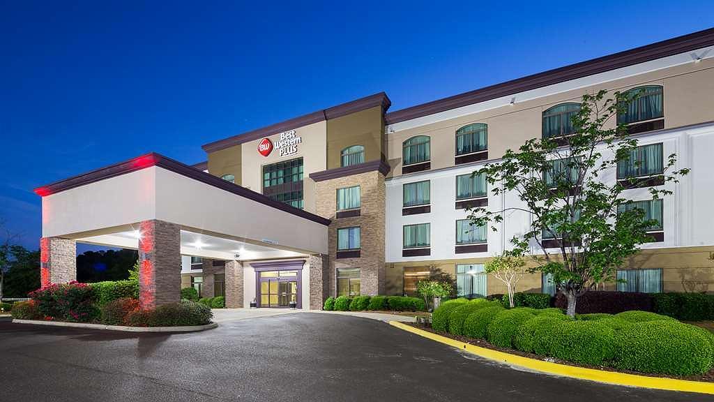 Best Western Plus Birmingham Inn & Suites - Vista exterior
