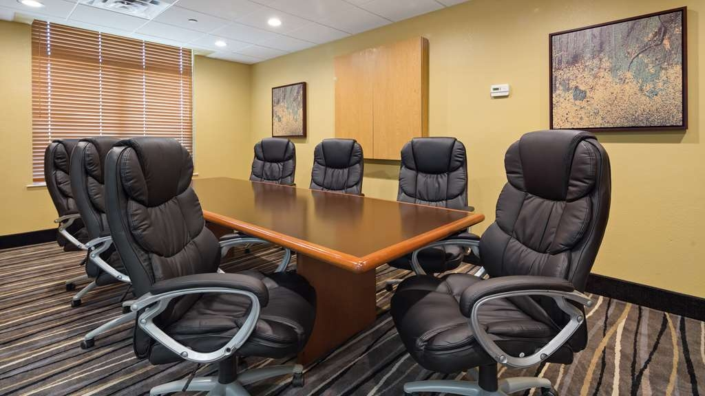 Best Western Plus Birmingham Inn & Suites - Our Board room is perfect for that business meeting you are planning.
