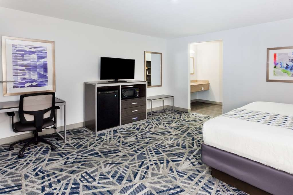 Best Western Montgomery I-85 North Hotel - Executive Room with One King Size Bed