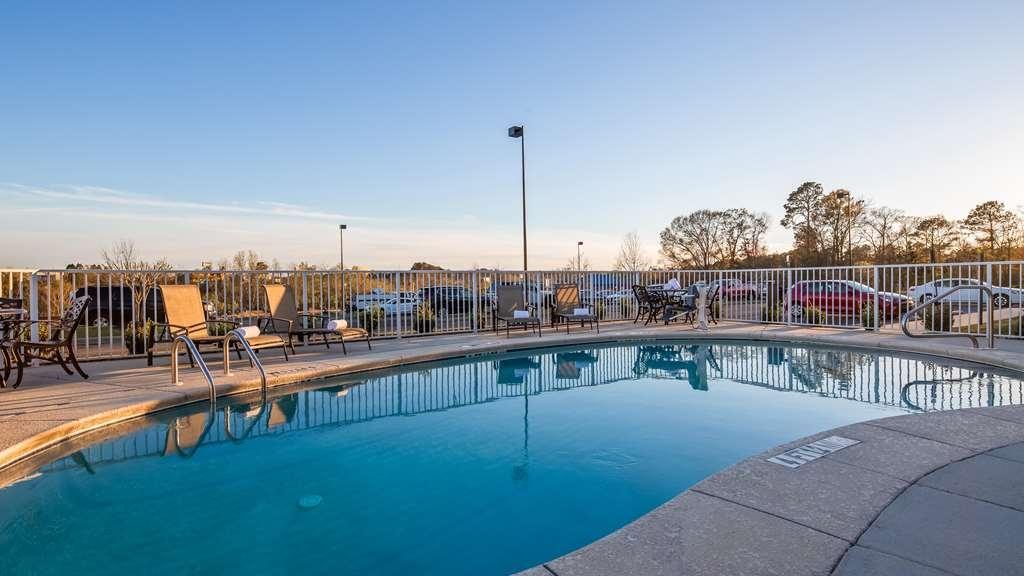 Best Western Dothan Inn & Suites - Vue de la piscine