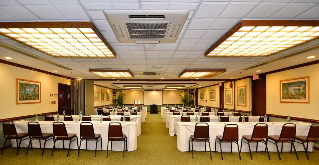 Best Western The Plaza Hotel - Our meeting room can service any function from receptions to trainings to corporate meetings.